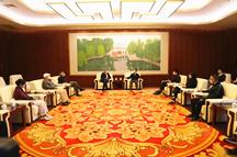 红色管理研究所李凯城一行参观香山革命纪念馆